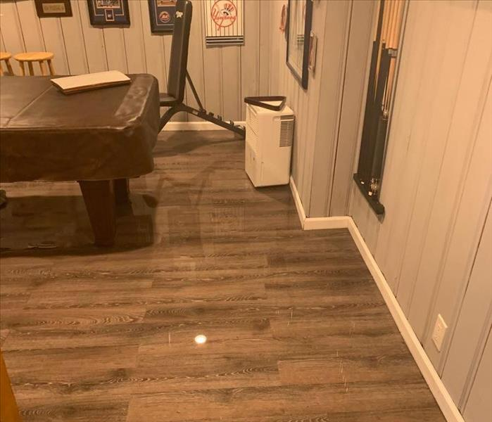 WATER REMOVED, DRY AND SHINY FLOOR